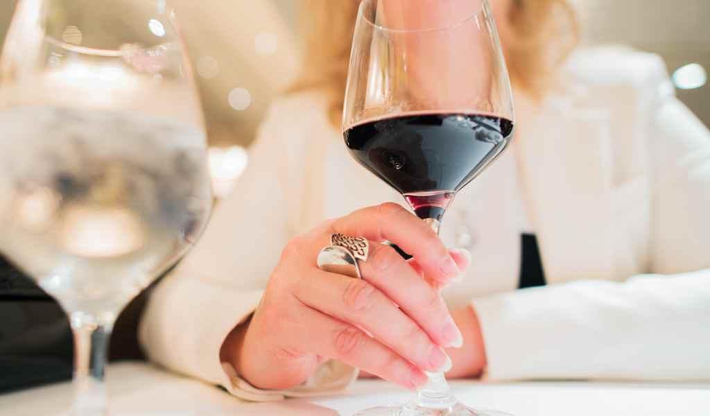 Лечение женского алкоголизма в Индустрии анонимно
